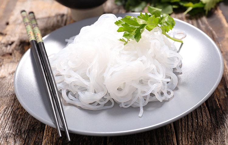 5 Delicious & Low-Carb Shirataki Noodles Recipes