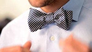 how to tie a bow tie striped