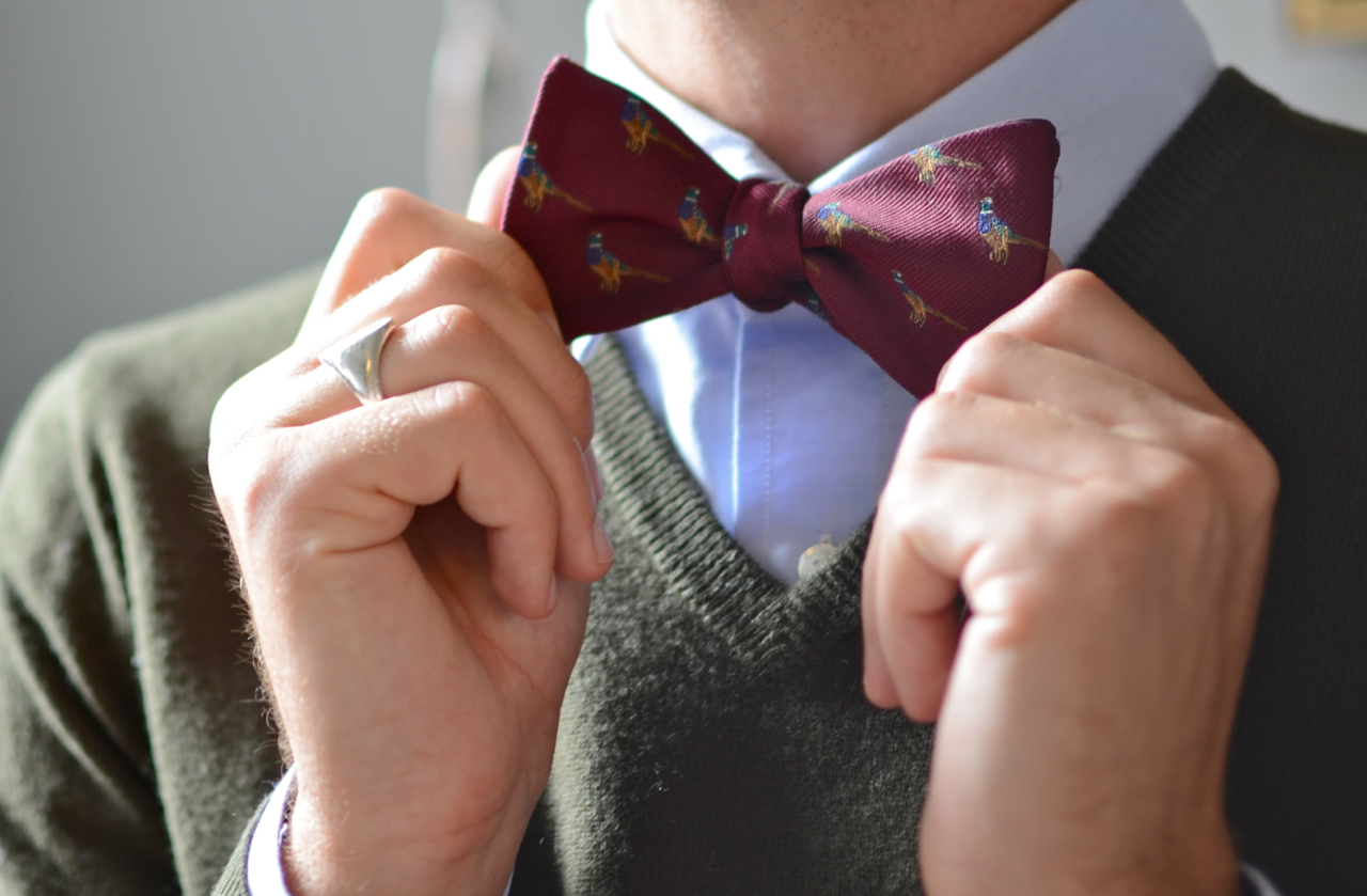 how to tie a bow tie male